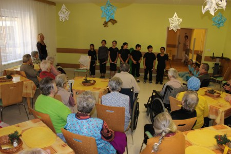 Vánoční vystoupení našich žáků v domovech důchodců